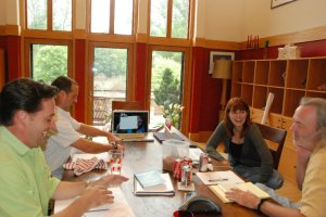 Image of Kadoo team meeting.